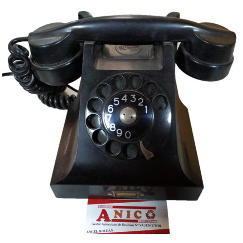 TELÉFONO ANTIGUO CON TARJETA DE VISITA